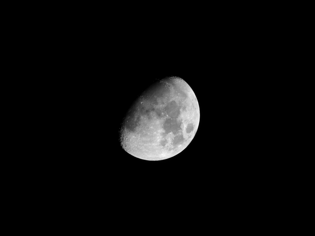 lumix tz60で月を撮影、50倍ズーム