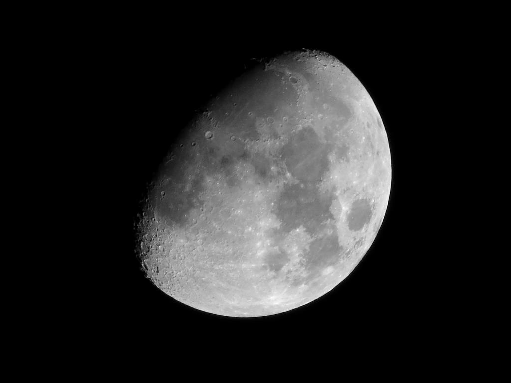 lumix tz60で月を撮影、100倍ズーム