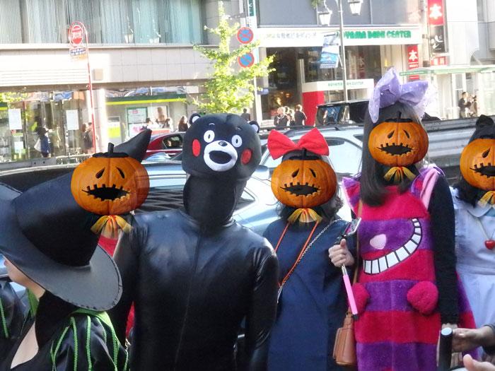 変なくまモンの仮装