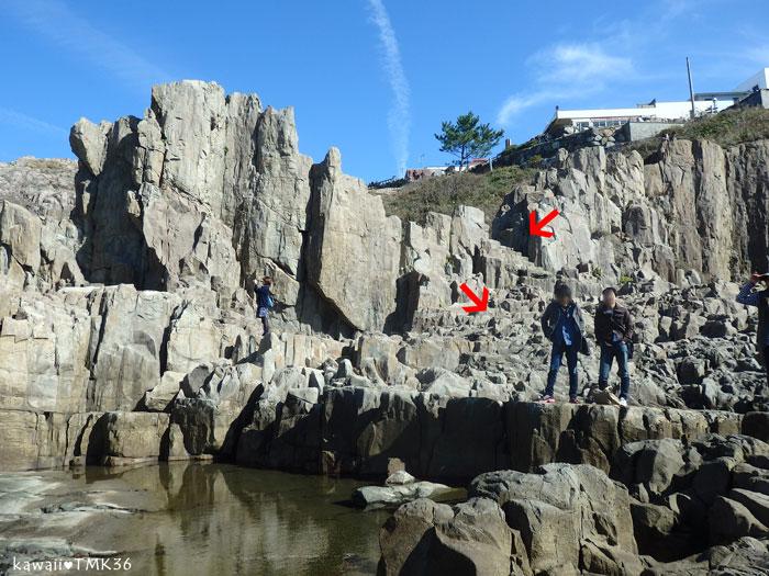 東尋坊の崖を下るルート