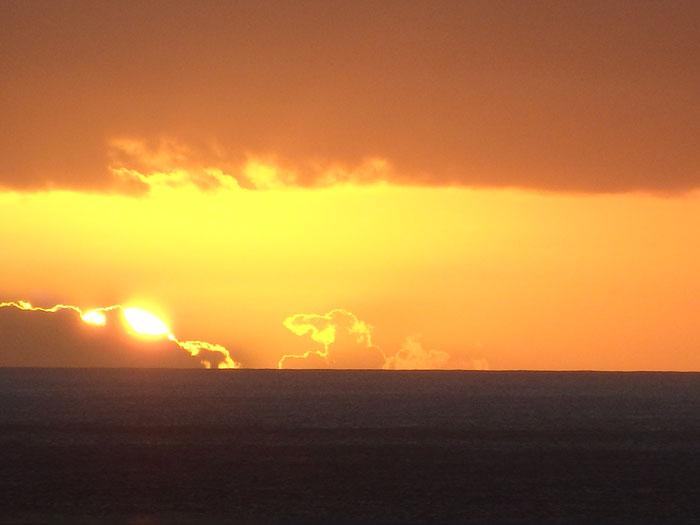 SKY Waikiki(スカイワイキキ)からの夕日♪
